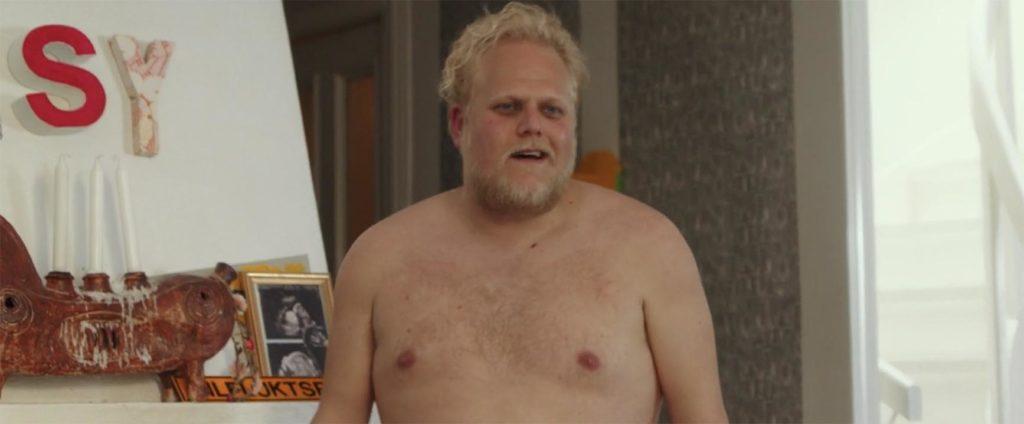 裸の男登場シーン