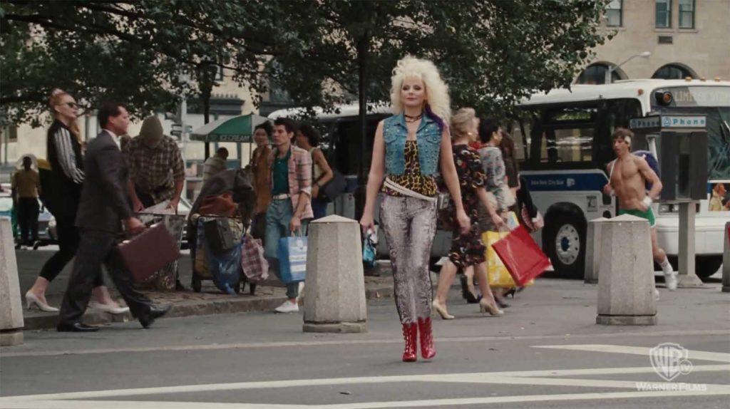 80年代の町並みとファッション