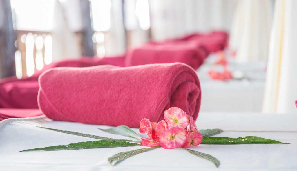 ピンク色のタオル
